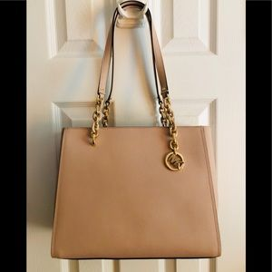 🌷Michael Kors Sofia Large Chain Tote Bag  Purse